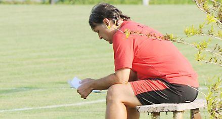 Newells: Martino sigue pensando en el volante para reemplazar a Pablo Pérez