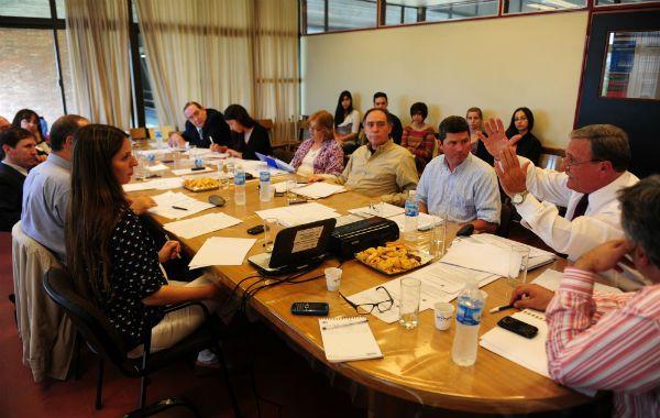 En la Facultad de Ciencia Política se abordó la necesidad de una reforma profunda para Santa Fe.