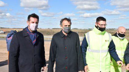 Corredores Viales. El presidente de la firma nacional, Gonzalo Atanasof, y el ministro de Obras Públicas, Gabriel Katopodis.