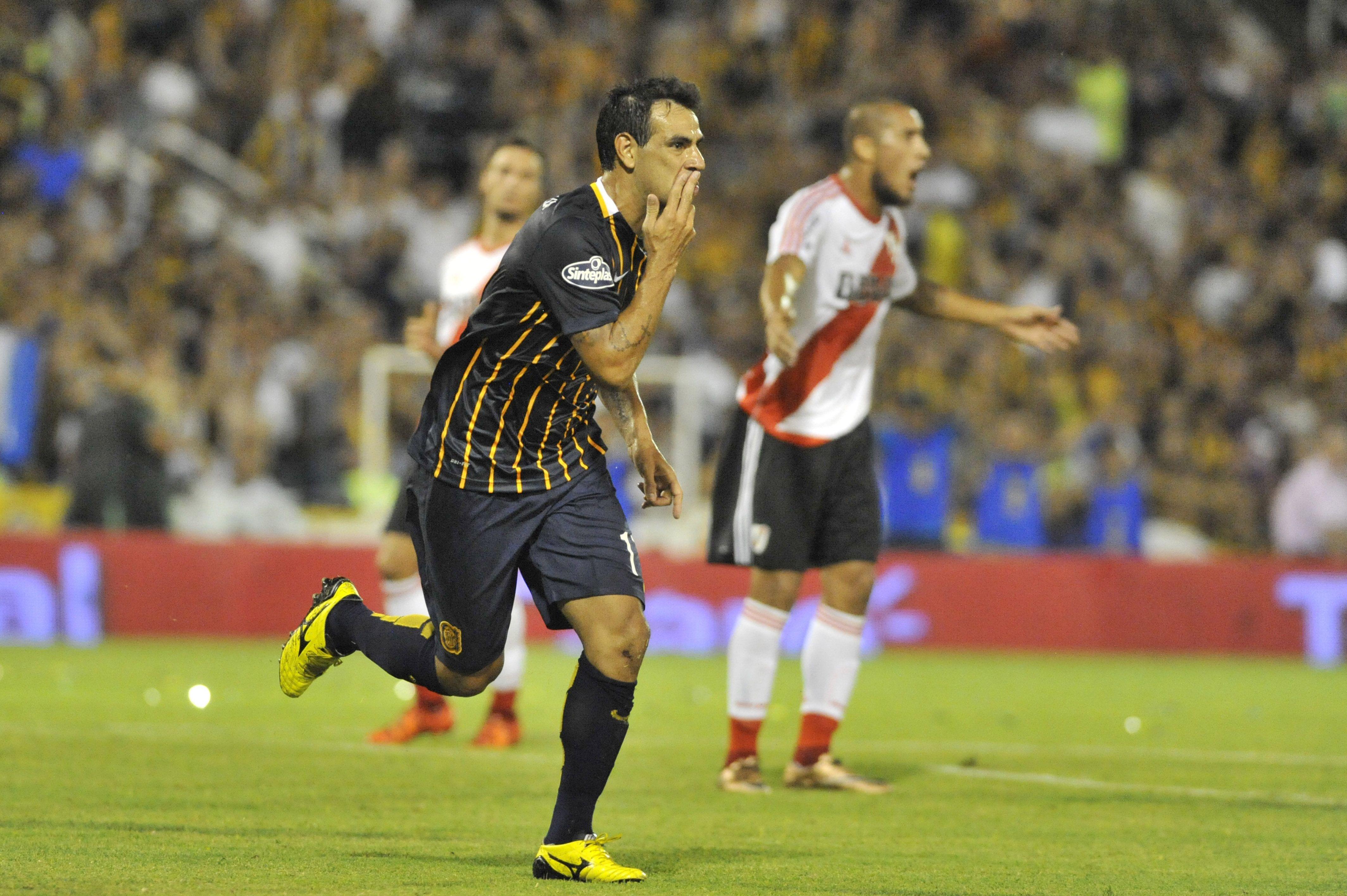 Al ataque. El Chaqueño Herrera viene de convertir ante River y  hoy sería nuevamente titular. (Gustavo de los Rios / LaCapital)