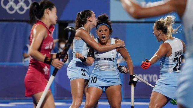 María José Granatto festeja su gol