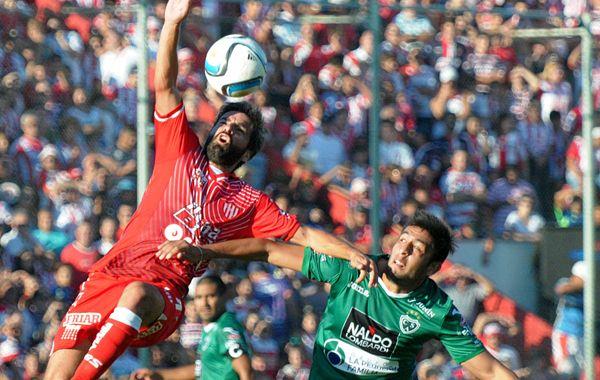 Unión se quedó sin un invicto de trece fechas en el estadio 15 de Abril.