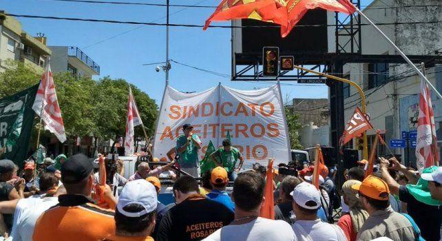 Masiva concentración en San Lorenzo por despidos y por las muertes en la exNidera