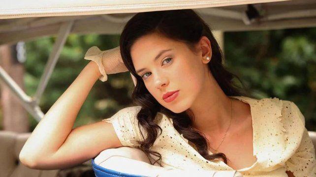 Delfina Chaves dejó entrever que hubo besos con Peter Lanzani