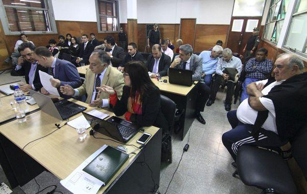 Acusado. Patrico Daniel Gorosito (a la derecha) en la audiencia realizada el jueves en los Tribunales de Resistencia.