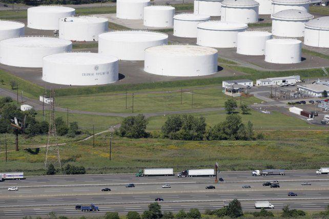 Una central de almacenamiento de naftas del poliducto Colonial en Nueva Jersey.