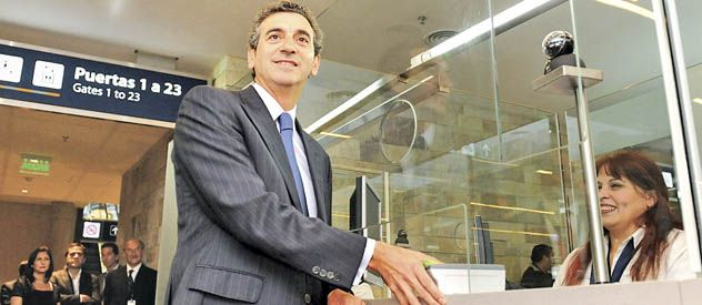 El ministro del Interior salió contra Moyano el día después del congreso en cancha de Ferro.