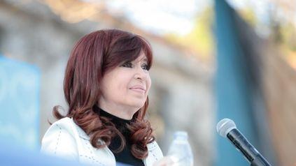 Cristina Kirchner volvió a hablar en público con mensajes para los empresarios y la oposición.