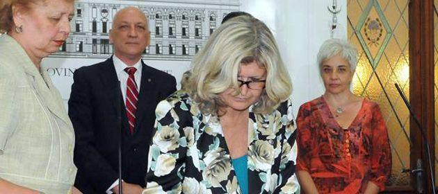 Claudia Balagué asumió ayer como ministra de Educación.