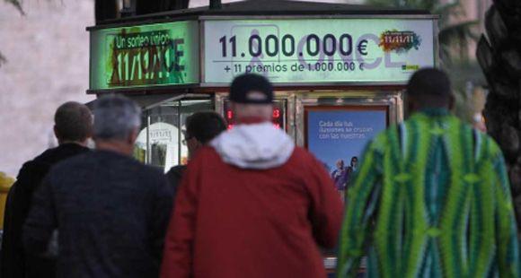 Se agotaron los billetes de lotería que juega 11 millones de euros