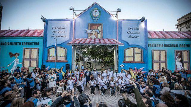 La Escuela Pública Itinerante llega a Rosario en defensa de la educación pública