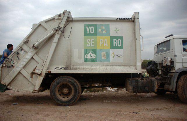La Municipalidad de Rincón publicita la separación de basura pero no está claro cómo lo lleva a cabo. Desechos de todo tipo son depositados en el vertedero controlado de callejón Pintos.