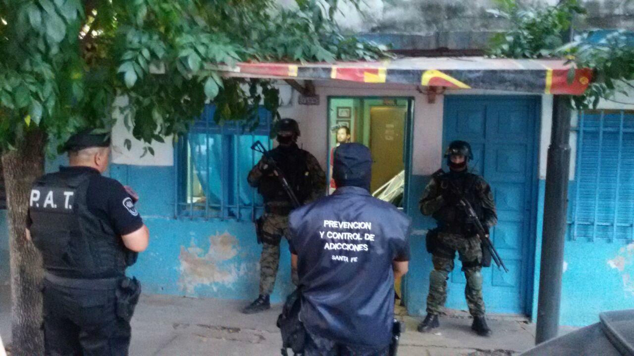 Personal de la policía provincial en Jazmín al 7100
