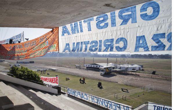 El acto central por el Día de la Independencia será en el hipódromo tucumano.