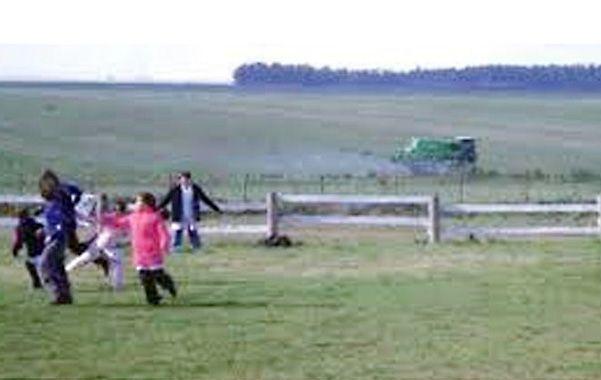 Peligro. En muchas zonas de Entre Ríos hay escuelas rurales que padecen a metros que se esté fumigando.
