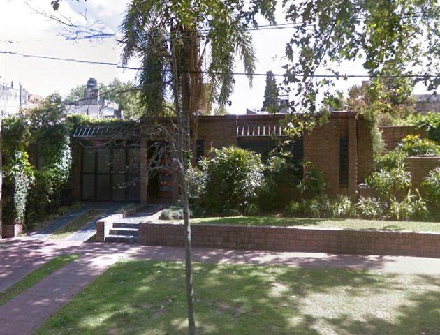 La vivienda de la familia asaltada ubicada en la calle Washington al 200. (Imagen: Google Street View).