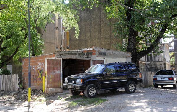 Cocheras truchas. Fueron construidas en sitios de uso público. (Foto: H. Rio)