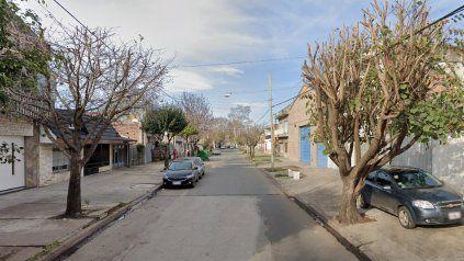 Neuquén al 6800, en barrio Belgrano. El lugar donde actuaron delincuentes al estilo hombre araña.