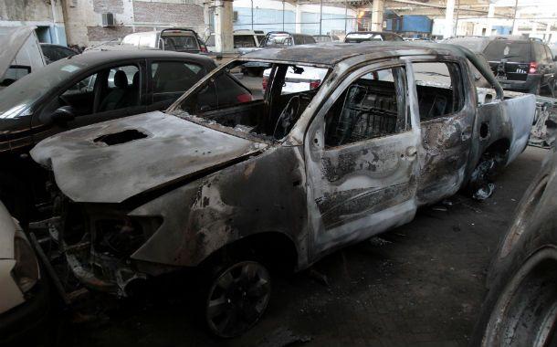 Quemada. La Toyota Hilux en la que iba Honores al ser asesinado fue encontrada en Cabín 9 totalmente calcinada.