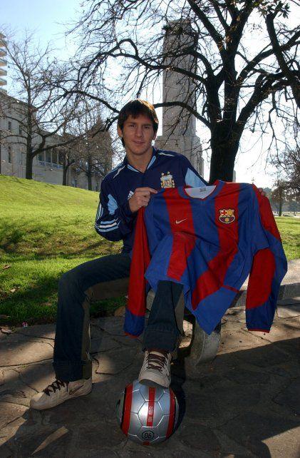 En 2004, Messi en el Monumento a la Bandera en Rosario, su ciudad natal.