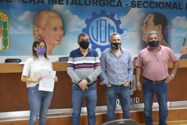 De Ponti y representantes del gremio presentaron ayer la iniciativa.