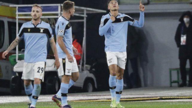 Correa festeja su gol
