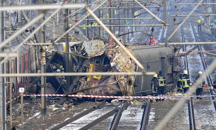 Más de 20 muertos tras choque frontal de trenes en Bélgica