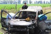 Quemados. Las víctimas fueron halladas en un Peugeot 307 que se incendiaba en un basural a 6 kilómetros de la ciudad.