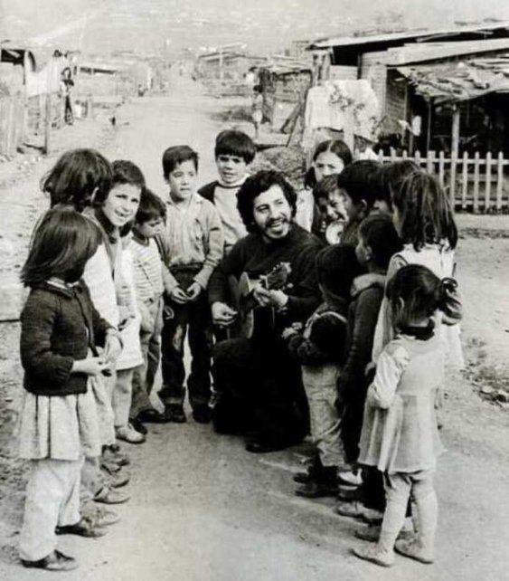 Las manos de Víctor Jara