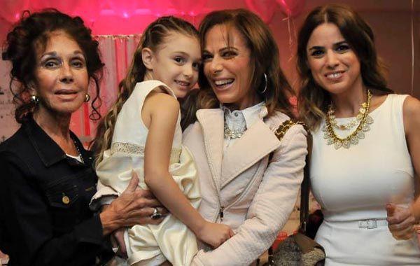 Marina Calabró festejó los 6 años de Mía junto a su familia.