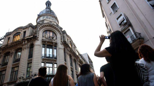 Cúpulas. La diversa arquitectura de Rosario despierta interés entre los visitantes. Hasta hace un tiempo se hacían recorridas por edificios emblemáticos.