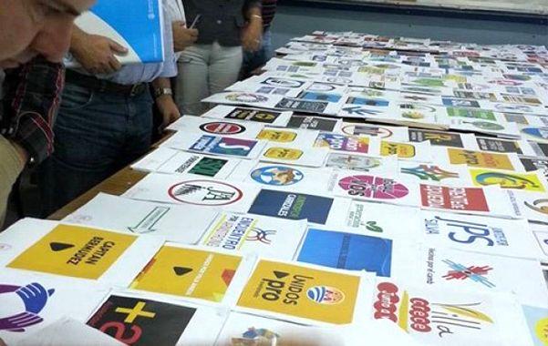 Show de papeletas. La provincia deberá imprimir casi 28 millones de boletas entre las primarias y la general.
