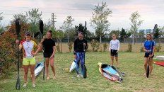 El equipo Sub 21 de la Federación Argentina de Canoas que realizó una concentración en la ciudad de Roldán.
