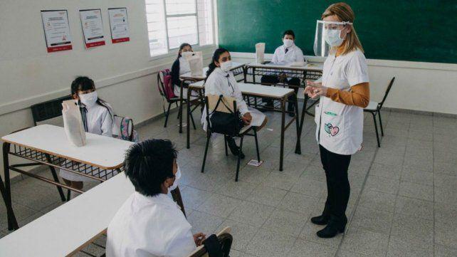 Rosario podría volver a tener clases presenciales en febrero o marzo del año próximo