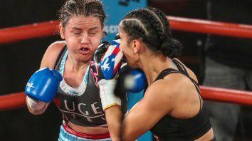 La Bonita Bermúdez dio batalla, como siempre, como cada vez que sube al ring y jamás claudica en la entrega. Pero Amanda Serrano fue absolutamente superior.