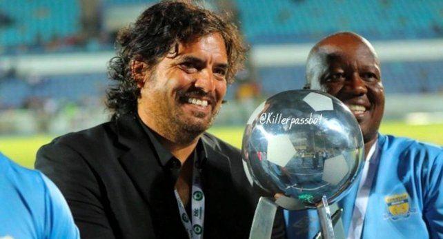 Zapata logró el título de la liga de Botsuana con Township Rollers, en 2019.