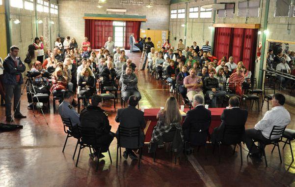 Participación social. Una concurrida reunión se realizó ayer en Chabás.