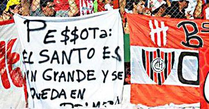 Malas relaciones: el árbitro Pezzotta y San Martín de Tucumán se miran de reojo