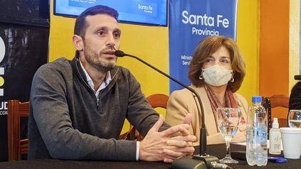 Pablo Corsalini, en el acto de licitación, con la ministra Frana.
