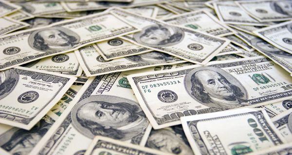 Por primera vez desde los controles, vuelven a crecer los depósitos en dólares