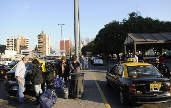 La tarifa del servicio público de taxis vuelve a discutirse.