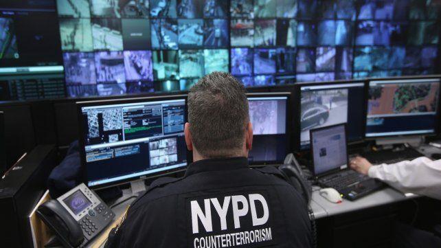 Computadoras. Una de las salas de vigilancia urbana de la policía de Nueva York.