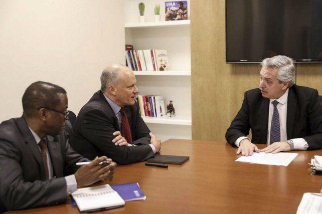 El precandidato a presidente por el Frente de Todos mantuvo una reunión con funcionarios del FMI.