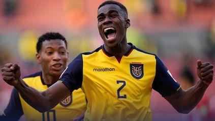 Torres grita su agónico gol, que encaminó la victoria ecuatoriana.