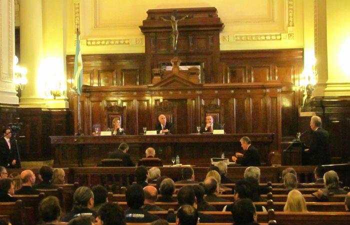 La audiencia. En 2010 la provincia se presentó en la audiencia de conciliación con un respaldo político unánime.