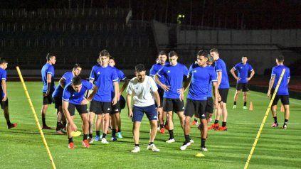 La primera actividad en el centro de entrenamientos Sapporo Soccer Amusement tuvo ejercicios físicos y luego un bloque de 20 minutos de fútbol.