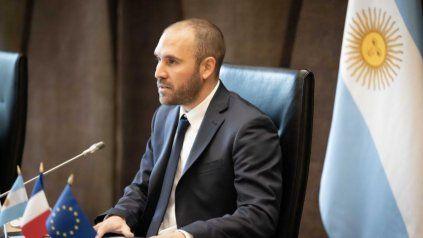El ministro Guzmán descartó una devaluación brusca.