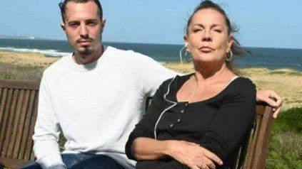 Adriano Sessa, de 22 años, y su mamá, Mónica Gonzaga, en medio del escándalo.