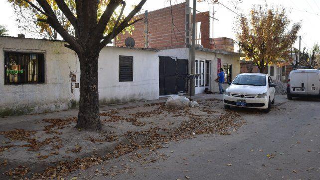 La casa. En Pasaje 1858 al 4400 Marcos Segovia descargó su furia contra su papá