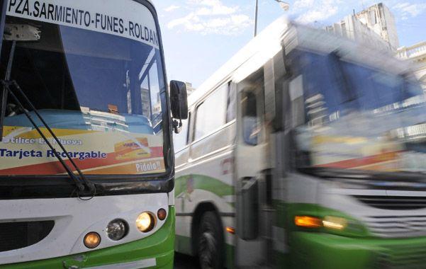 El transporte interurbano de pasajeros aumentó desde hoy entre un 17 y 18 por ciento.